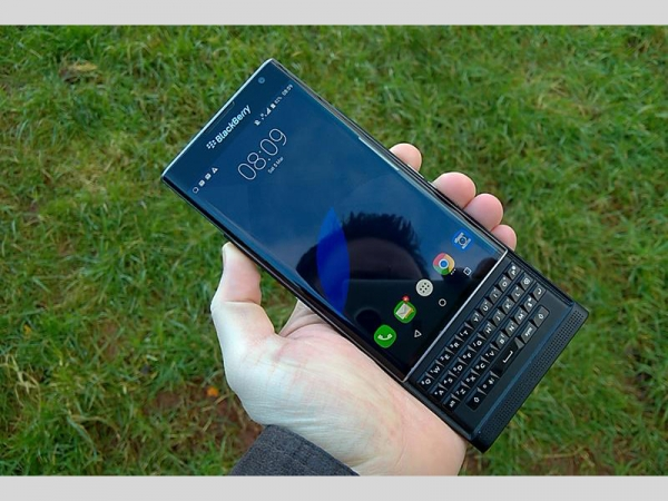 Tech Okay – BlackBerry Priv Getting Android Marshmallow Treat In